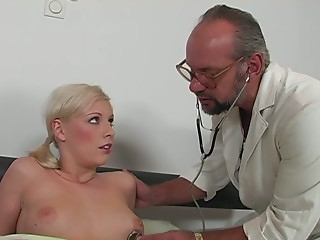 Doctor,Chubby,Reality,Shaved,Big Boobs,Blonde,Blowjob,Mature,Old and young