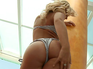 Bikini,Solo,High Heels,Blonde,Pornstar,Softcore,Natural
