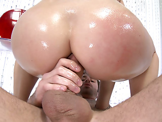 Oiled,Big Ass,Brunette,Hardcore,Pornstar,Sex Toys,Doggystyle,Anal
