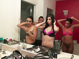 Bathroom,Lingerie,Blowjob,Brunette,Group Sex,Homemade