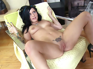 Screaming,Doggystyle,Brunette,Small Tits,Tattoo,Slut,Shaved