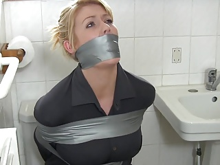 Wife,BDSM,Housewife,Bathroom,Blonde