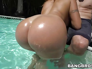 Pool,Latina,Big Ass,Hardcore,MILF,Pornstar