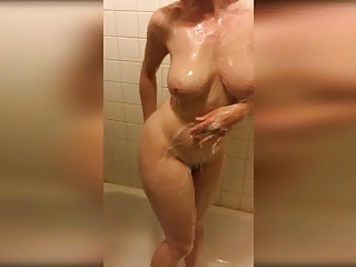 Shower,Big Boobs,Nipples,Redhead