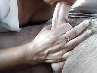 Latina,MILF,Wife,Cheating,Blowjob