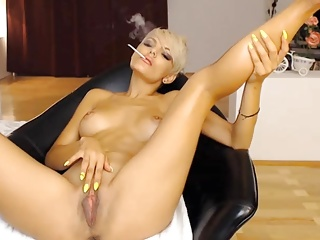 Smoking,Webcams,Big Boobs,Blonde,Fingering,Masturbation