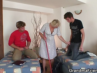 Old and young,Grannies,Mature,Threesome,Double Penetration,Hardcore,MILF,Teen