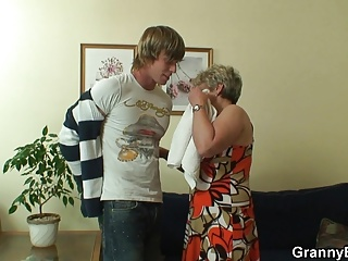 Old and young,Teen,Grannies,Blowjob,Mature,MILF