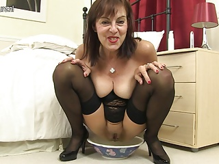 Pissing,MILF,Sex Toys,Anal,Grannies,Mature