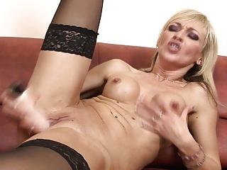 Blonde,Fingering,Sex Toys,Orgasm,Masturbation