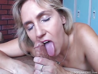 Mature,MILF,Natural,Beautiful,Big Boobs,Blowjob