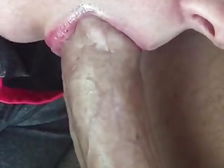 Close up pulsating oral creampie