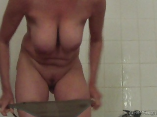 Big Boobs,Hidden Cams,MILF,Nipples,Shower,Natural