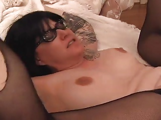 Glasses,Cumshot,Tattoo,Chubby,Facial,MILF