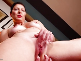 MILF,Amateur,Fingering,Grannies,Mature
