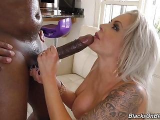 Squirting,Babe,Big Boobs,Big Cock,Black and Ebony,Blonde,Blowjob,MILF