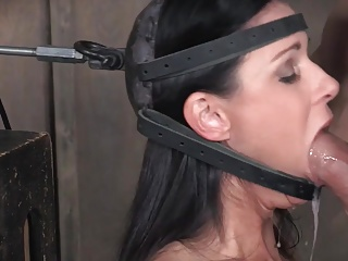 Gagging,Orgasm,BDSM,Blowjob,Brunette