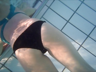 different butts underwater
