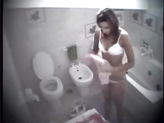 Bathroom,Voyeur,Wife,Amateur