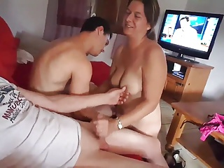Cuckold,Amateur,Handjob,Mature,Wife