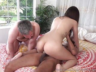Threesome,Cuckold,Cumshot,Big Cock,Black and Ebony,Mature