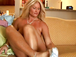 Mature,Grannies,Housewife,Old and young,MILF,Wife