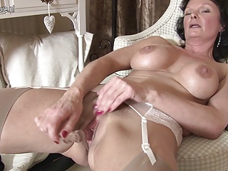 British,MILF,Grannies,Mature,Masturbation