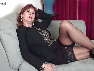 Grannies,Amateur,Mature,MILF,Sex Toys,Strip