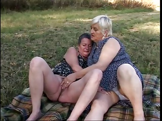 Lesbian,Grannies,BBW,Mature,Old and young