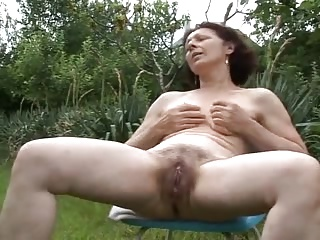 Outdoor,Mature,Amateur,Grannies,Masturbation