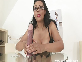 Big Boobs,MILF,Masturbation