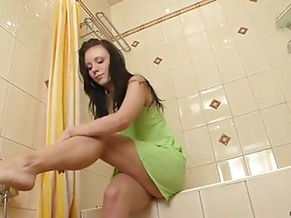 Shower,Brunette,Teen,Solo