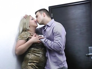 Housewife,Mature,Blonde,Chubby,Hardcore,Wife