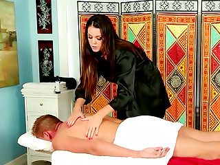 Massage,Big Ass,Brunette,Big Boobs,Blowjob