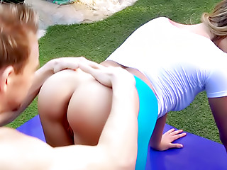 Yoga,Natural,Outdoor,Doggystyle,Shaved