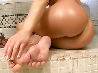 Oiled,Babe,Foot Fetish,Blonde,Pornstar