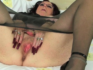 British,Brunette,Fingering,Grannies,Mature,Nylon,Solo,Masturbation