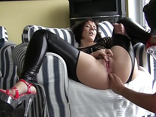 Pissing,Fingering,Mature,Amateur,Brunette,Fetish,Hardcore,Stockings,Anal
