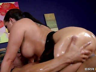 Big Ass,Pornstar,Anal,Big Boobs,Brunette,Hardcore,Oiled