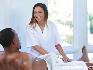 Jaye knew that the massage will turn into the interracial shagging