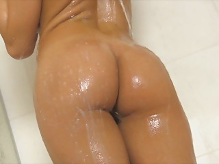 Shower,Solo,Masturbation,Big Ass,Babe