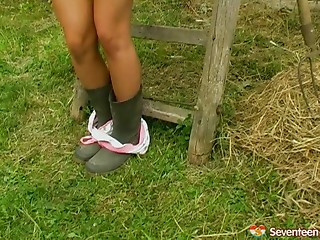 Sex Toys,Masturbation,Solo,Panties,Outdoor,Amateur