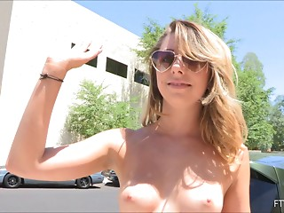 Flashing,Babe,Outdoor,Public Nudity,Reality,Small Tits,Solo