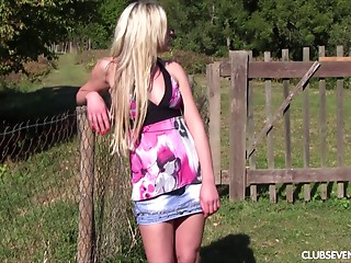 Blonde,Outdoor,Teen,Solo,Masturbation