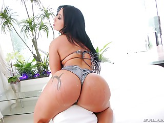 Oiled,Bikini,Brunette,Hardcore,Latina,Lingerie,Pornstar,Extreme,Couple,Big Ass