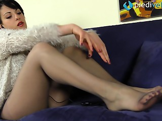 Nylon,Panties,Brunette,Fetish,Foot Fetish,Hardcore,Pantyhose,Solo