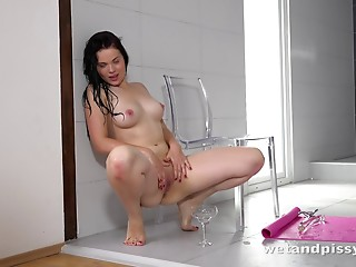Babe,Pissing,Big Ass,BBW,Brunette,Fetish,Sex Toys,Natural,Solo,Shaved