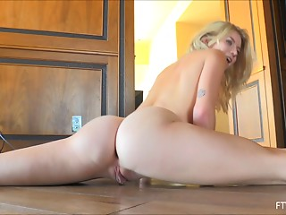 Erotic dancing and flexible poses with a cute naked blonde