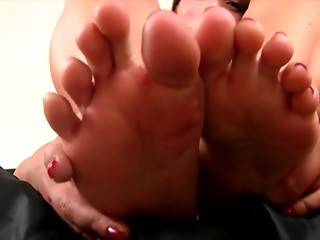 Babe,Close-up,Fetish,Foot Fetish,Hardcore,Solo
