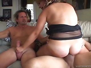 Hairy,Double Penetration,Hardcore,MILF,Pornstar,Threesome,Chubby,Facial